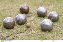 boules-de-petanque-31092886